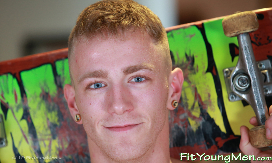 Fit Young Men: Model Jimmy Harris - Skateboard - Blue Eyed Skate Boarder Jimmy Shows off his Great Physique